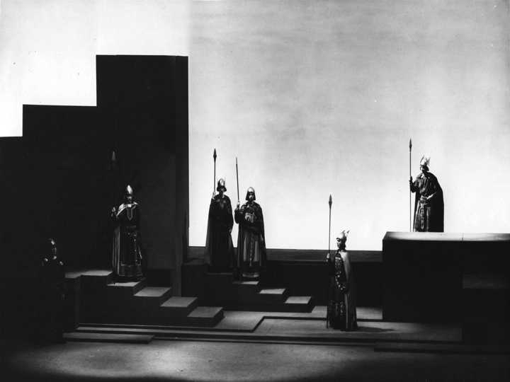 Set for Tristan und Isolde, 1933, designed by Fredric McConnell (Cleveland Orchestra Archives)