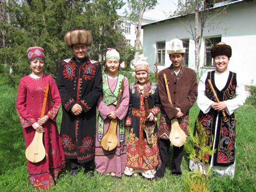 02-Ustatsharkirt-Group