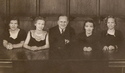 L-R: Carolyn Gillette, Betty Pergande, Jacob Evanson (director, University Singers), Ruth Hyde, Gretchen Nobis (Garnett), 1936.