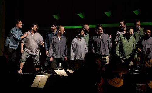 Chorus men